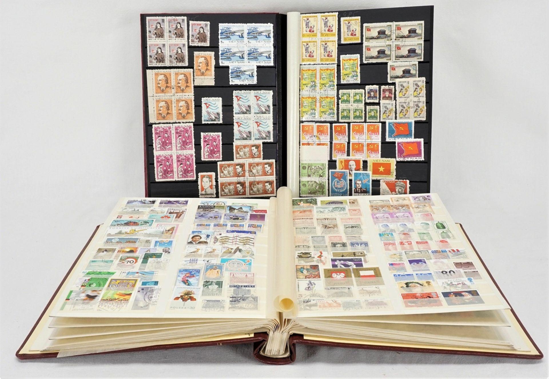 Ca. 3180 Briefmarken und Blocks aus aller Welt