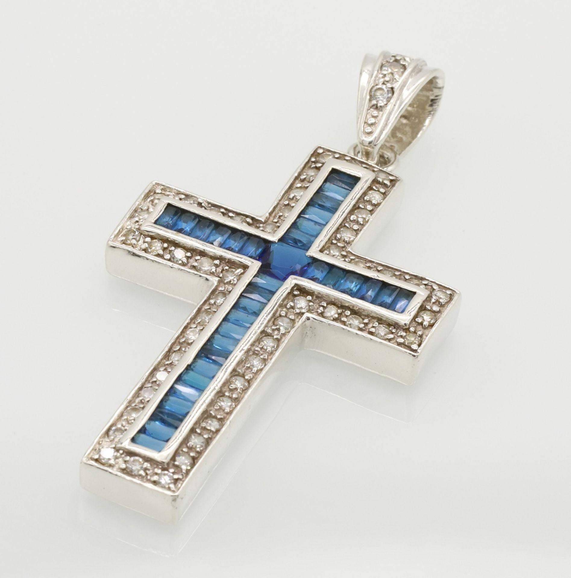 Opulenter Kreuz-Anhänger aus Silber
