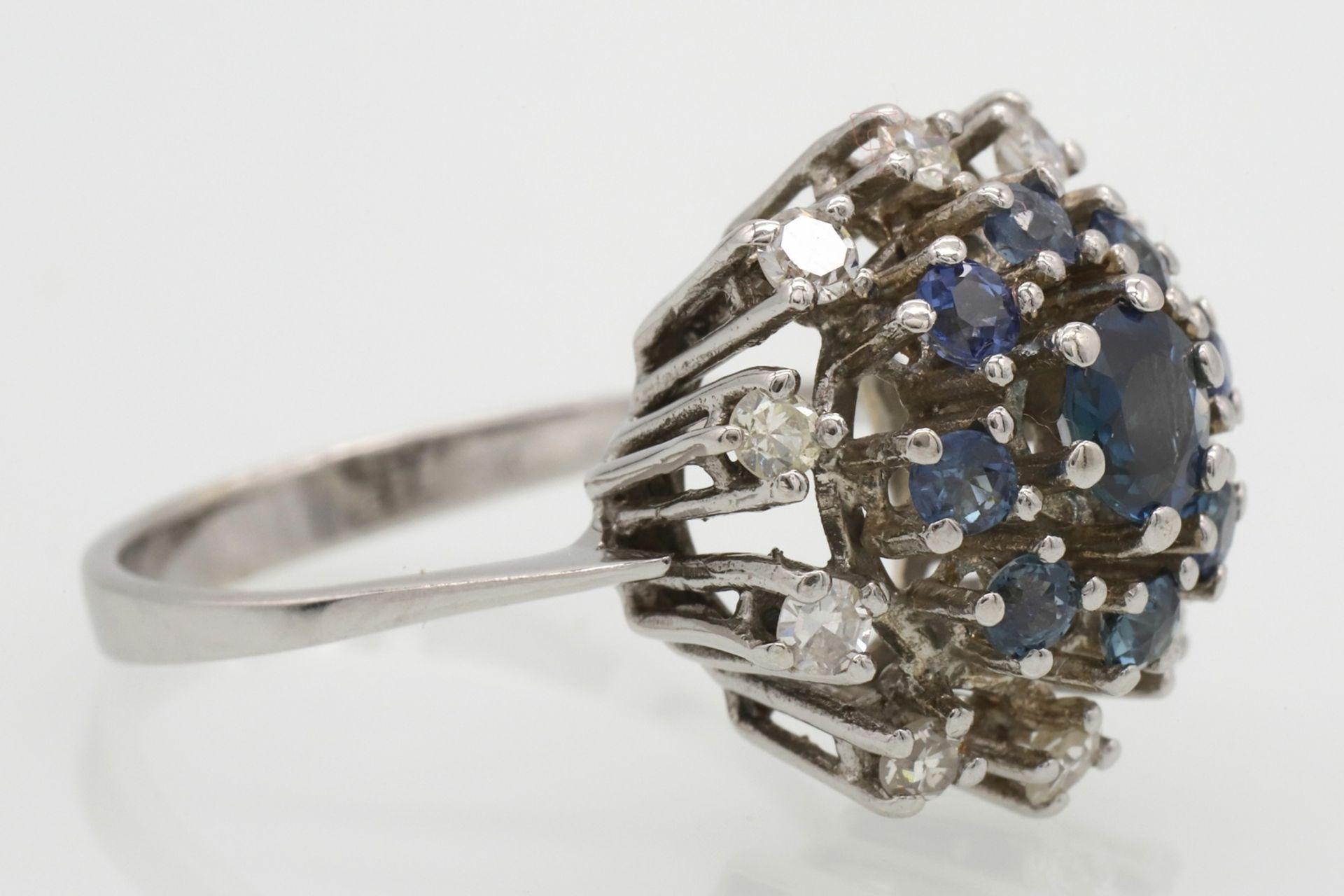 Entourage-Ring besetzt mit Saphir, Topasen und Diamanten - Bild 3 aus 5
