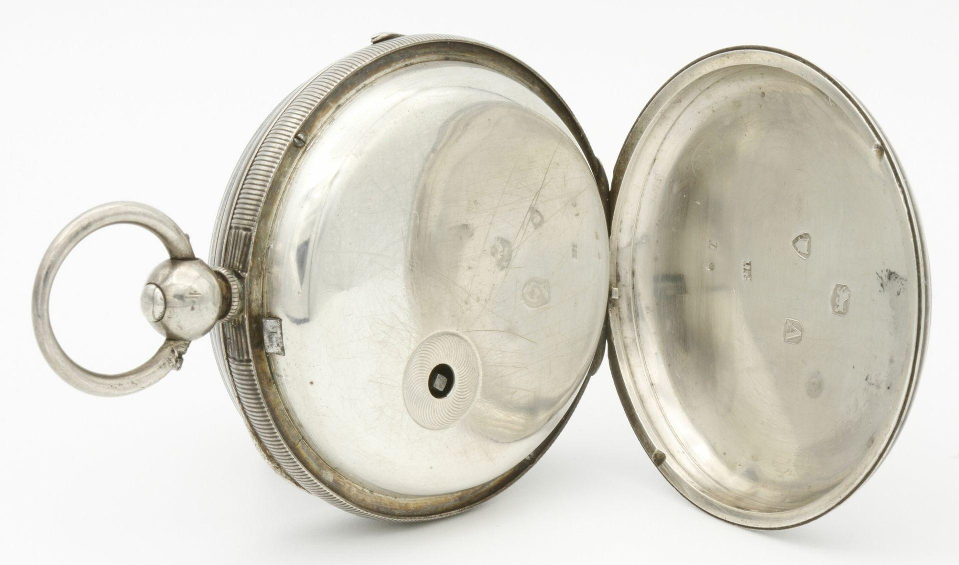 Aufwendig verzierte englische Silbertaschenuhr, um 1870 - Bild 4 aus 7
