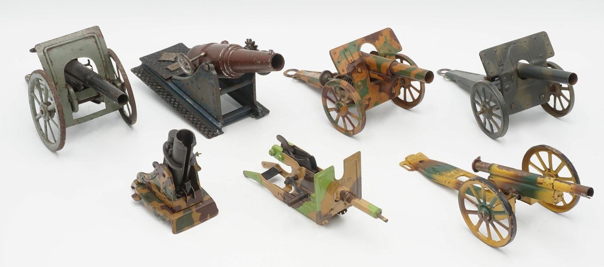 Sieben Blech Geschütze, 1. Hälfte 20. Jh.