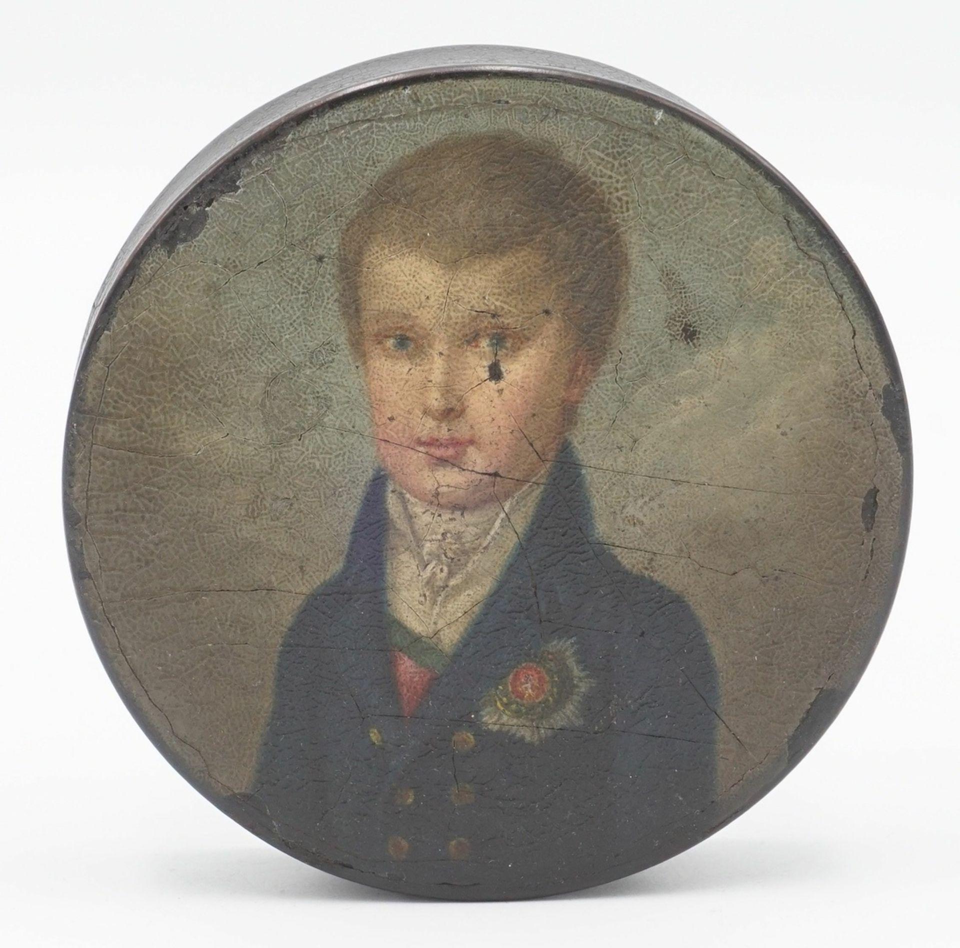 Schnupftabakdose mit Porträt eines preußischen Knaben mit Bruststern, um 1820 - Bild 2 aus 4
