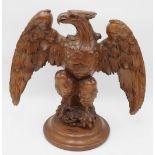 Adler-Figur mit ausgebreiteten Schwingen