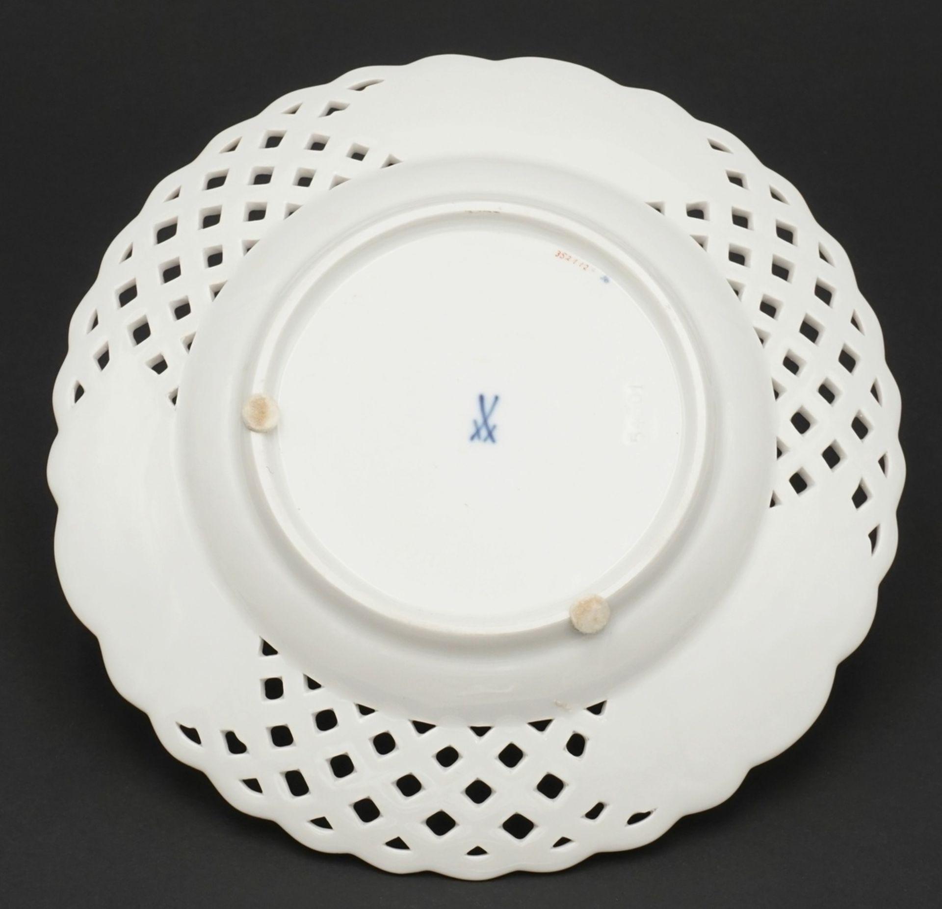Kleiner Meissen Durchbruchteller mit Tischchenmuster - Bild 2 aus 2