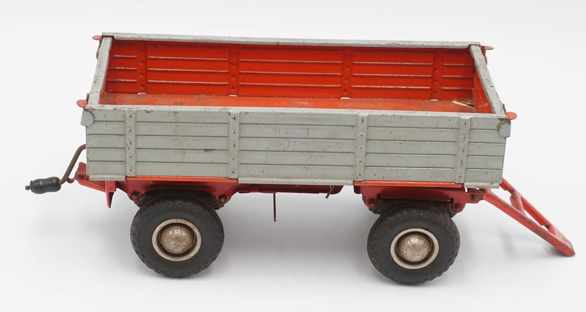Zwei Zetor Traktoren mit Anhängern - Bild 4 aus 5
