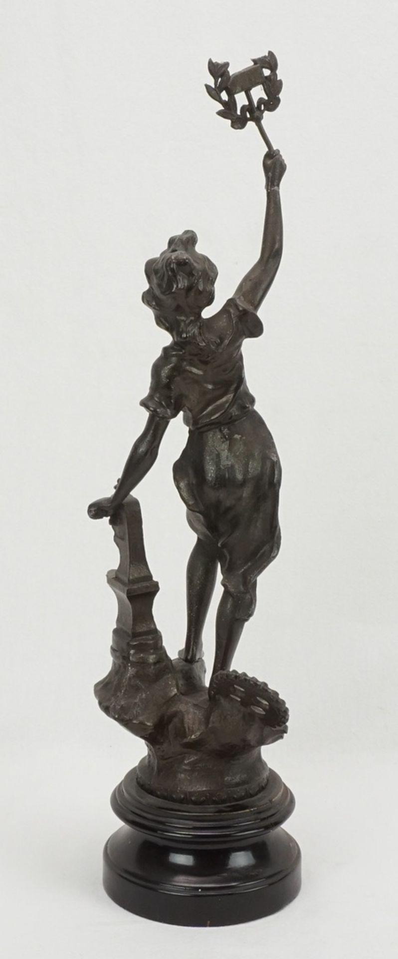 Zwei allegorische Figuren, für Handwerk und Wirtschaft & Handel - Bild 3 aus 5