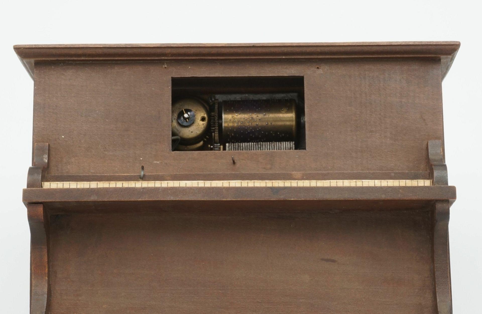Spieluhr als Klavier - Bild 2 aus 3