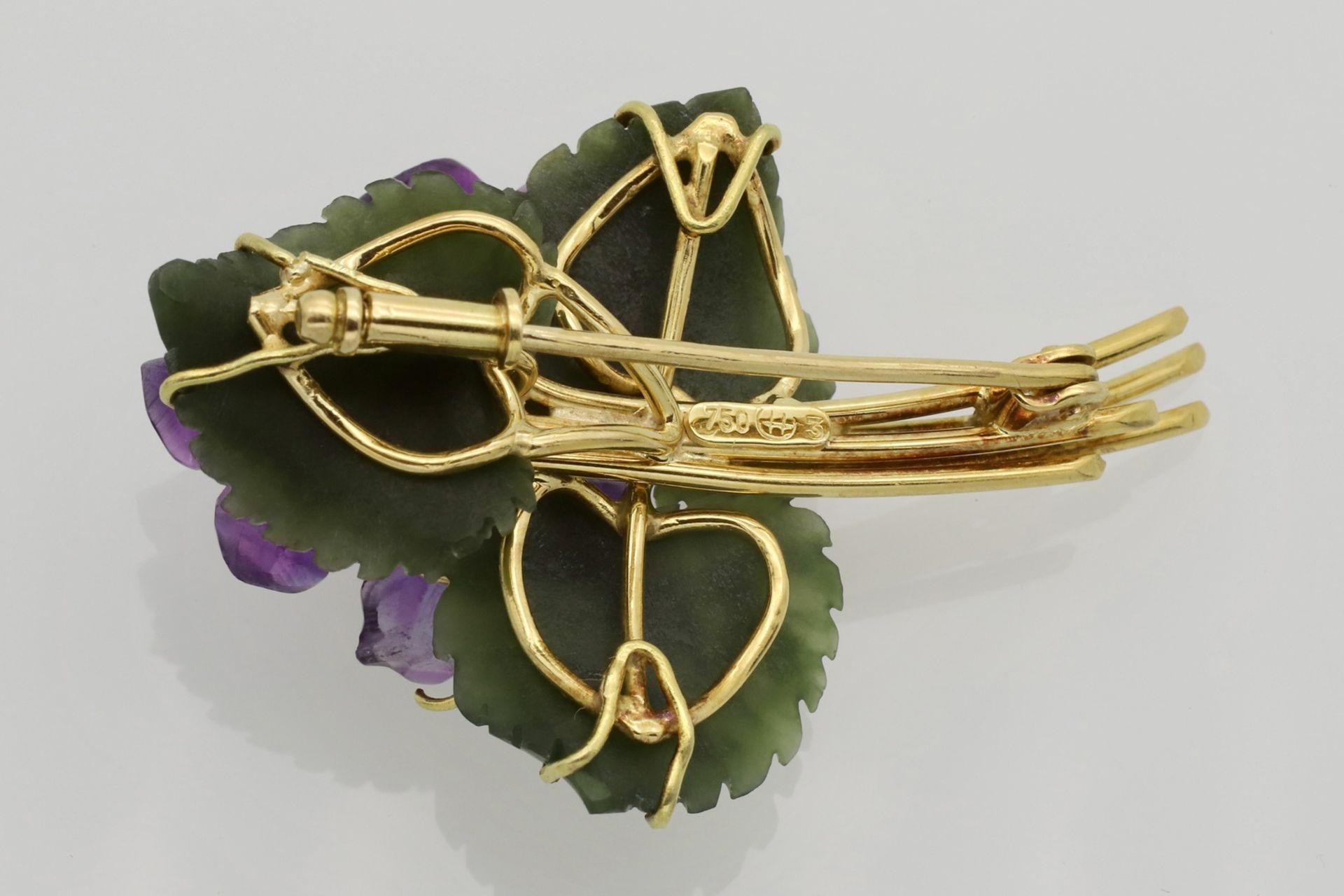 Veilchen-Brosche mit Amethyst, Nephrit und Diamanten - Bild 2 aus 2