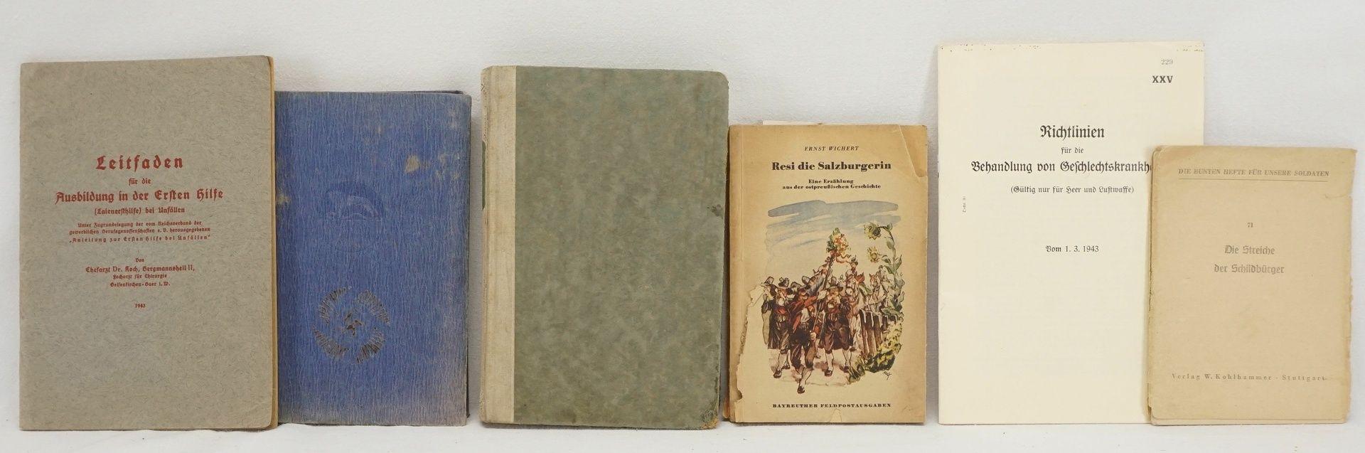 22 militärhistorische Bücher / Hefte - Bild 3 aus 5