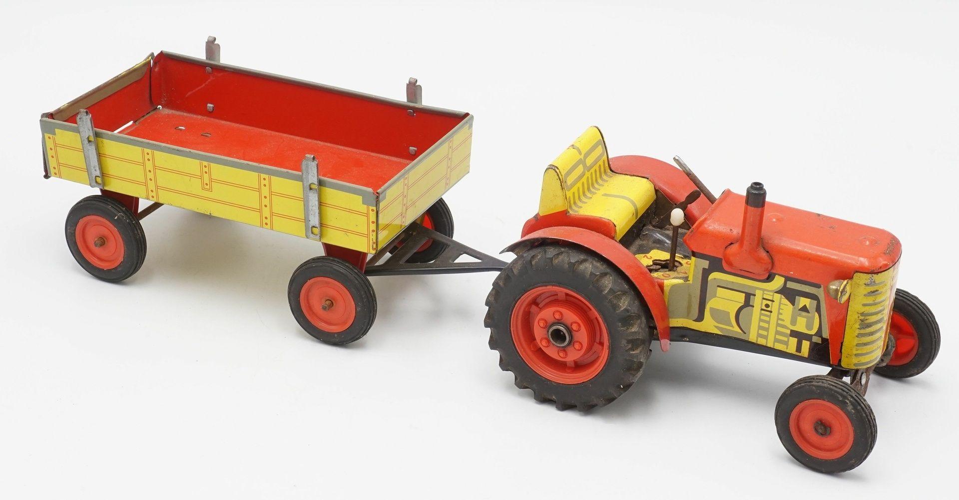 Zwei Zetor Traktoren mit Anhängern - Bild 3 aus 5