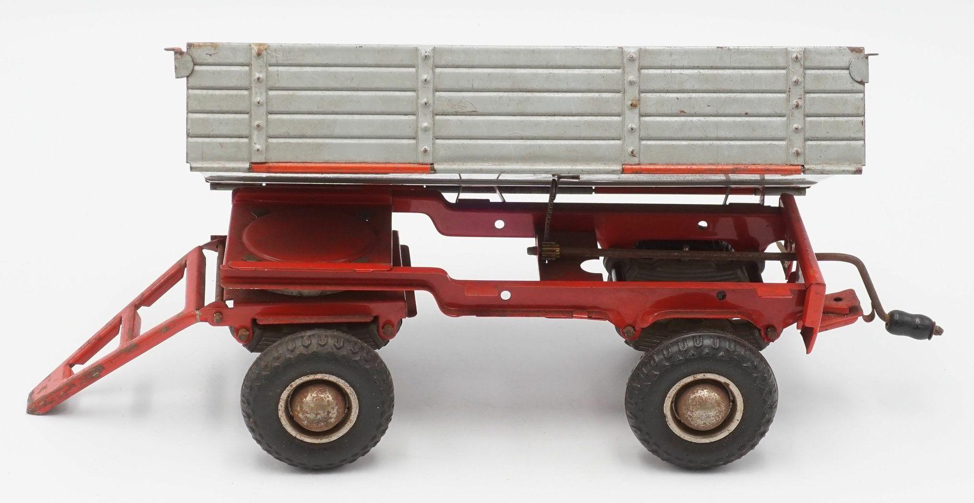 Zwei Zetor Traktoren mit Anhängern - Bild 5 aus 5