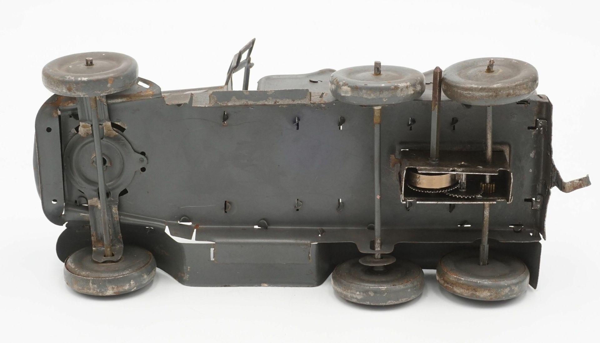 Zwei Blechautos und ein Blech Panzer - Bild 3 aus 7