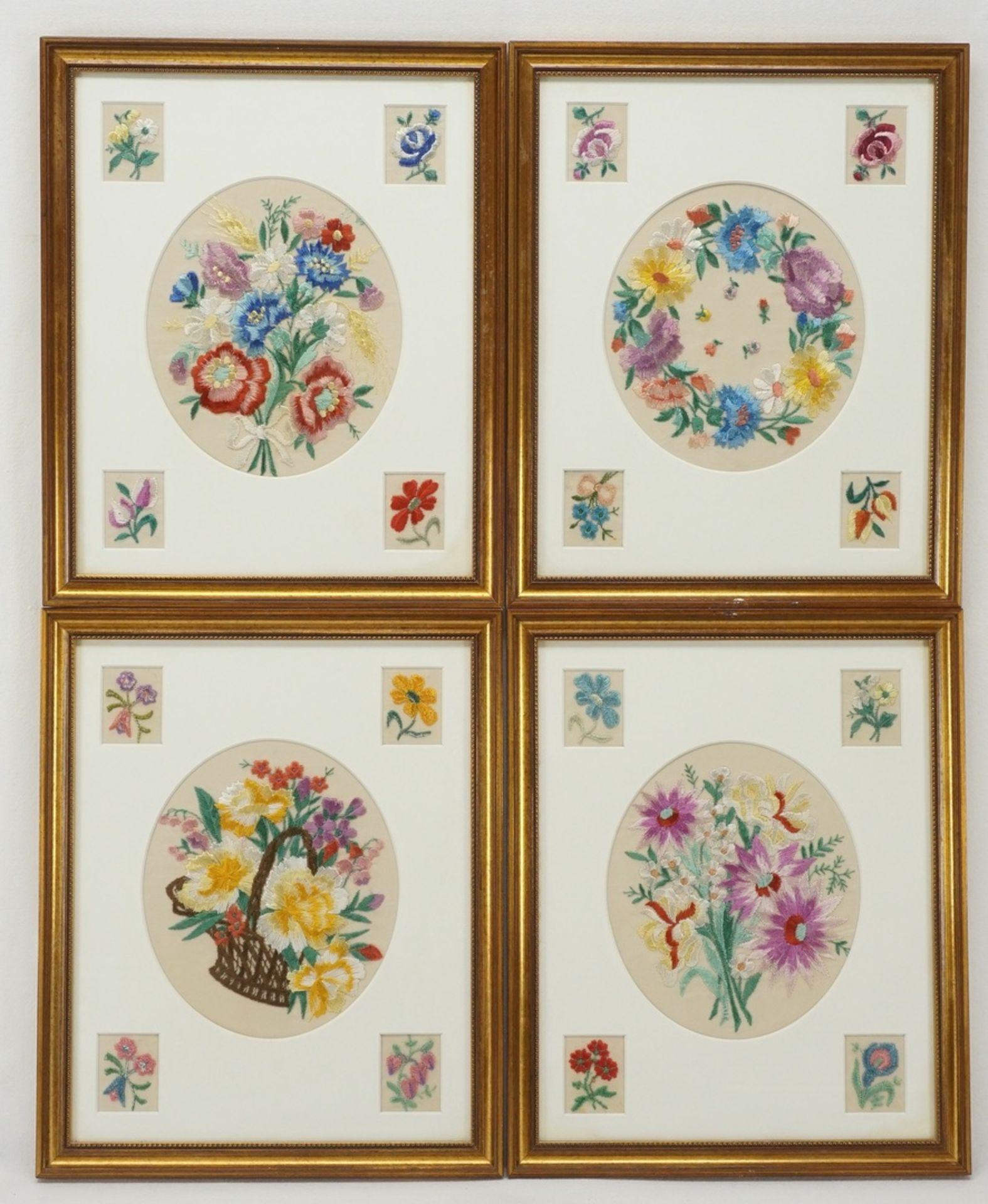 Vier Blumenbilder Seidenstickerei