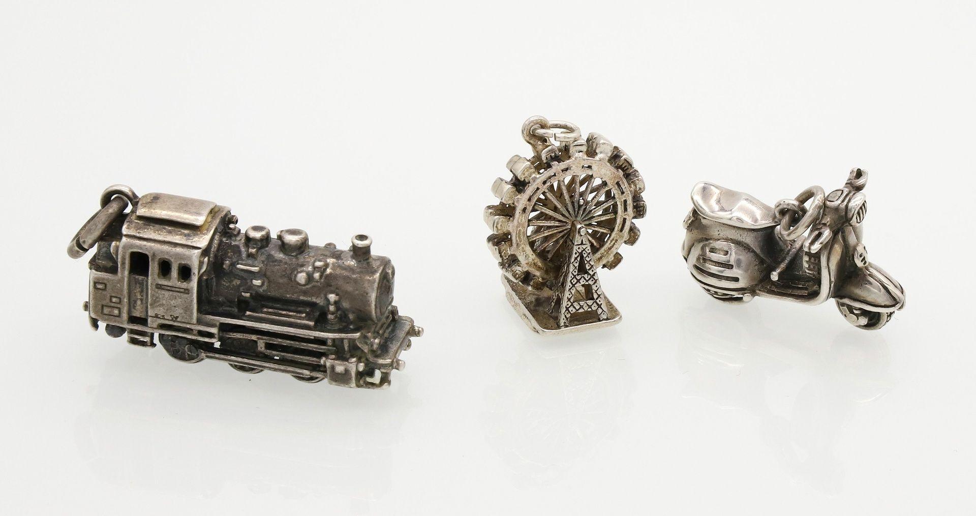 Drei Silber-Miniaturen als Anhänger - Bild 2 aus 2