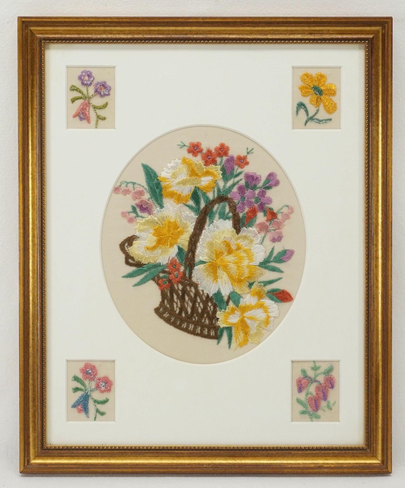 Vier Blumenbilder Seidenstickerei - Bild 4 aus 5