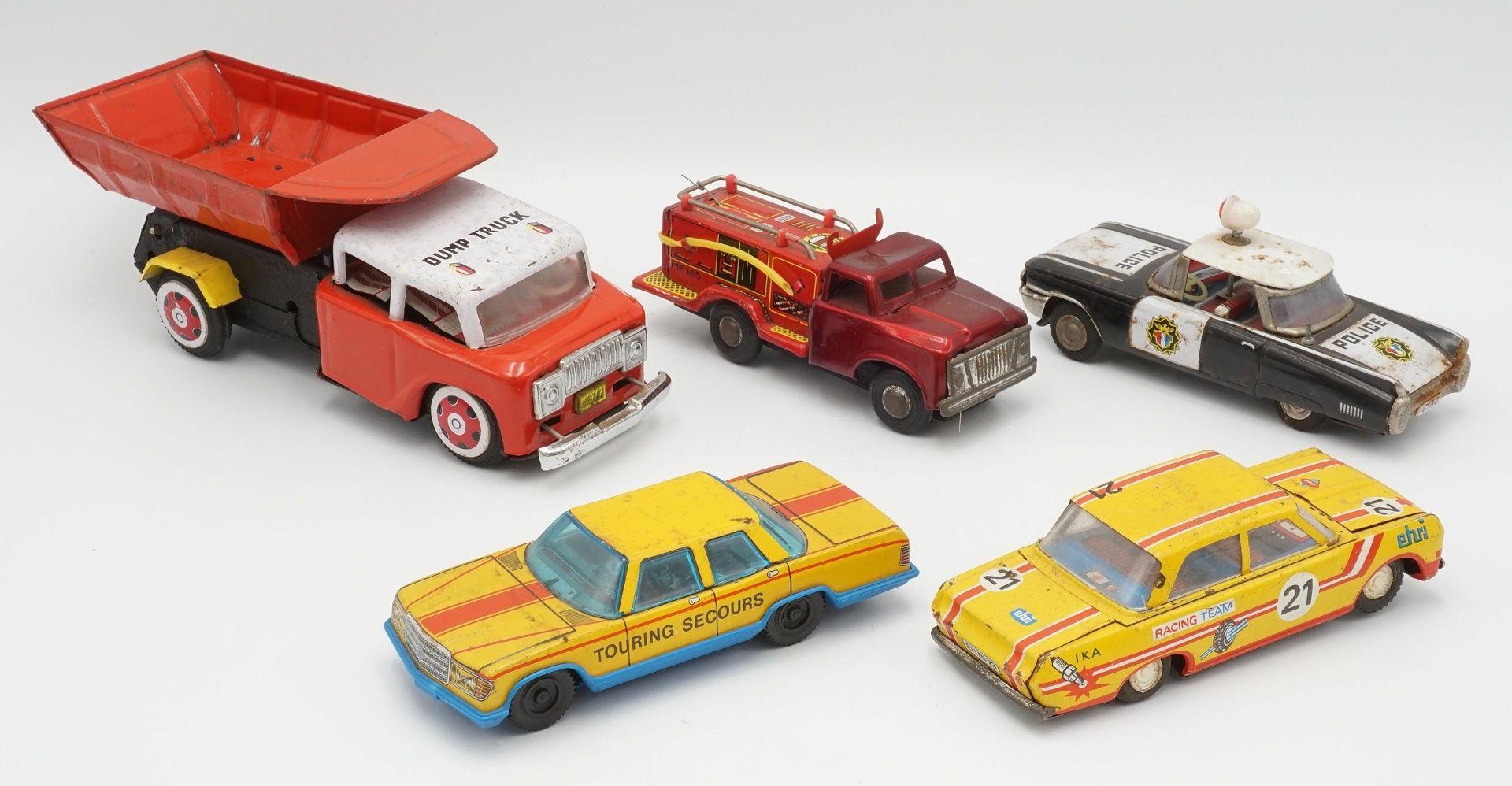 Fünf verschiedene Blechautos - Bild 2 aus 2