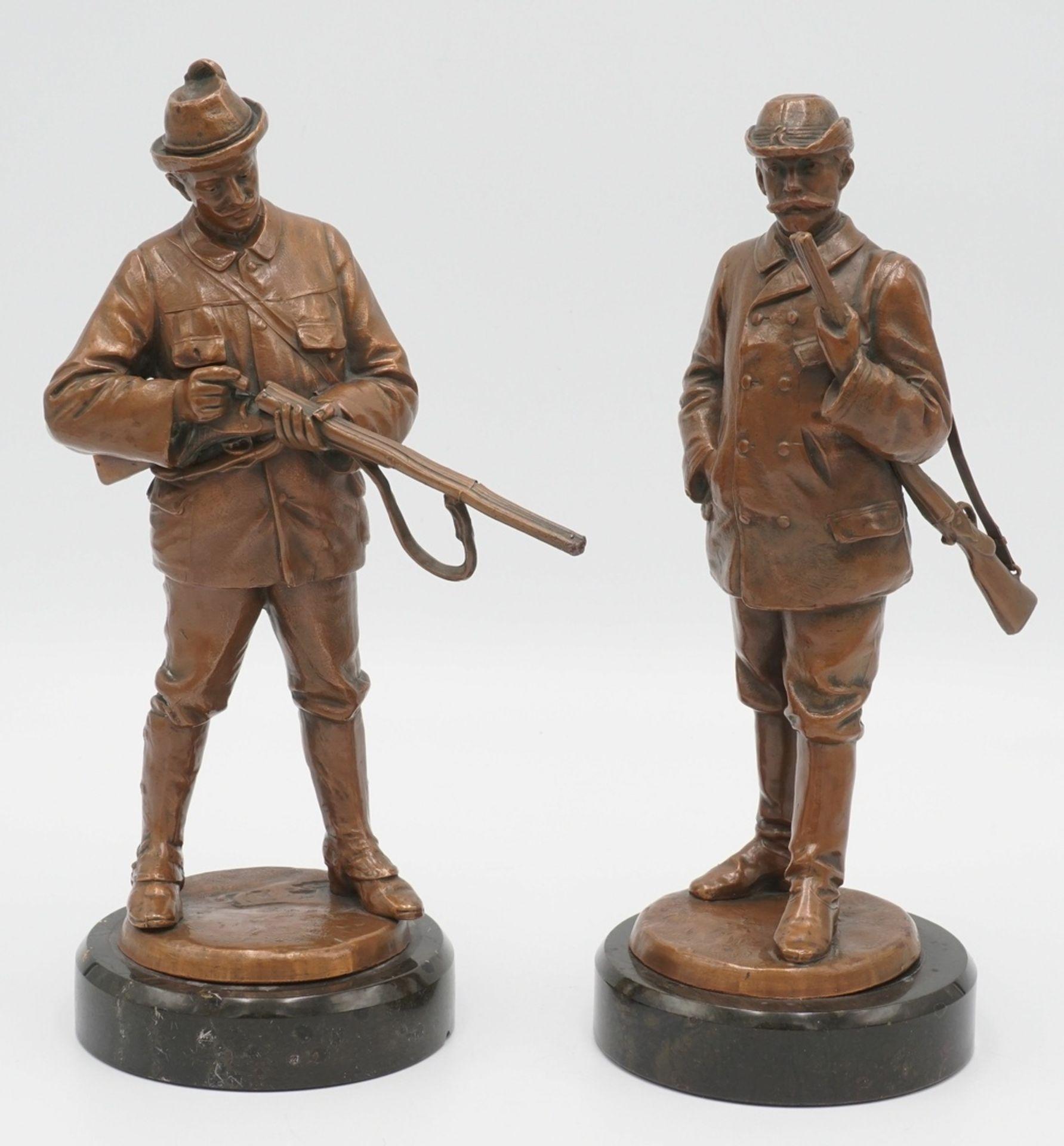 Zwei Jäger-Figuren, um 1900