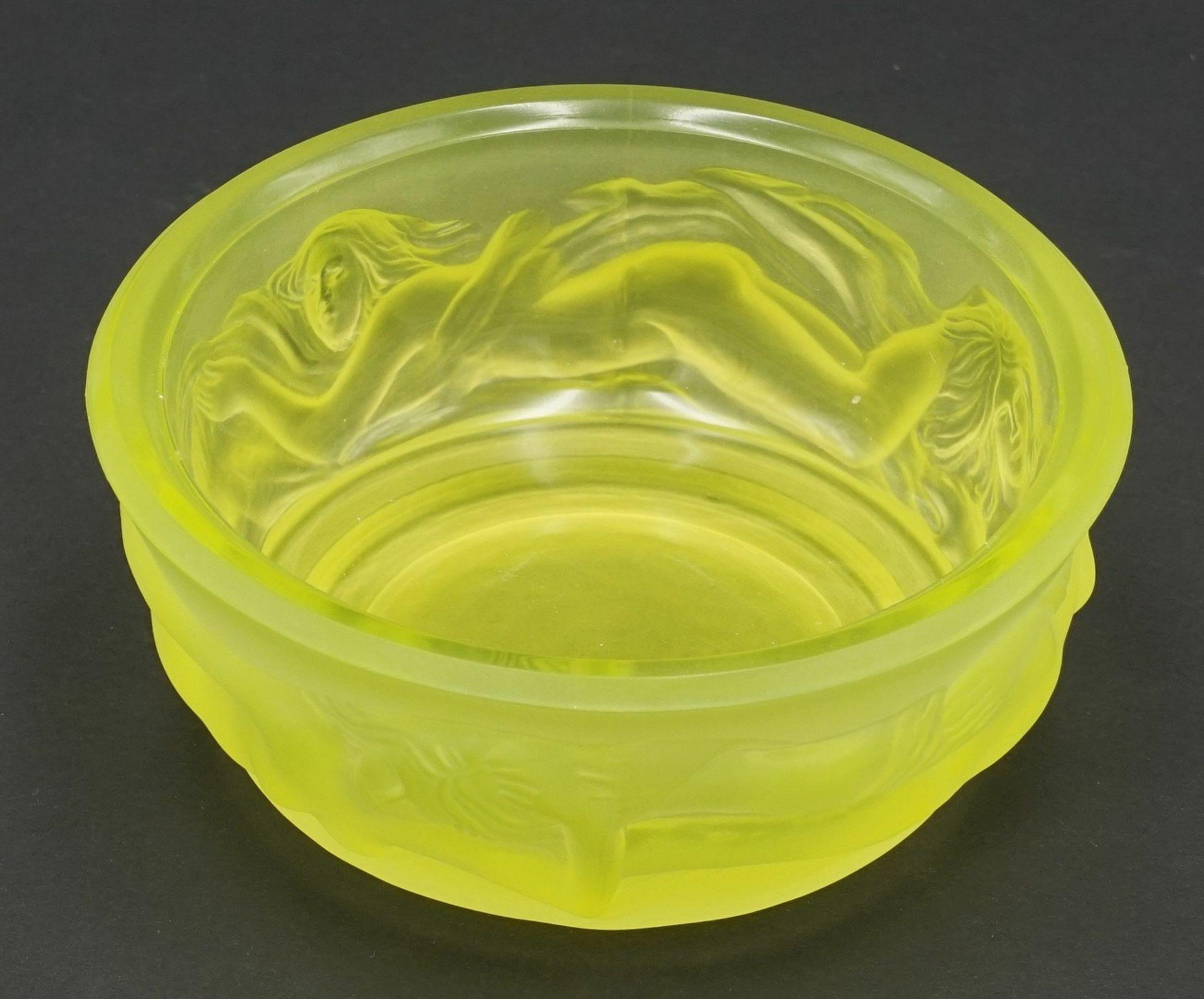 Erotische Glasdeckeldose, 20. Jh. - Bild 3 aus 4