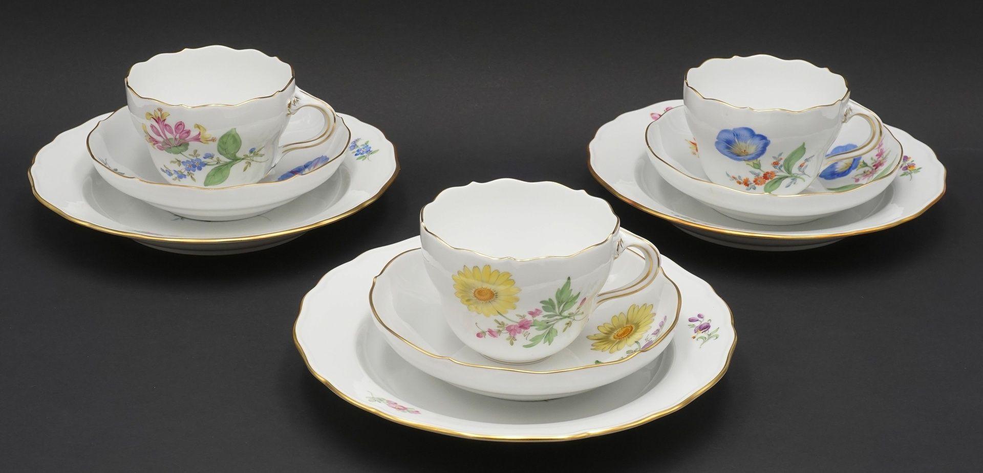 Sechs Meissen Kaffeegedecke mit Bunter Blume - Bild 2 aus 5