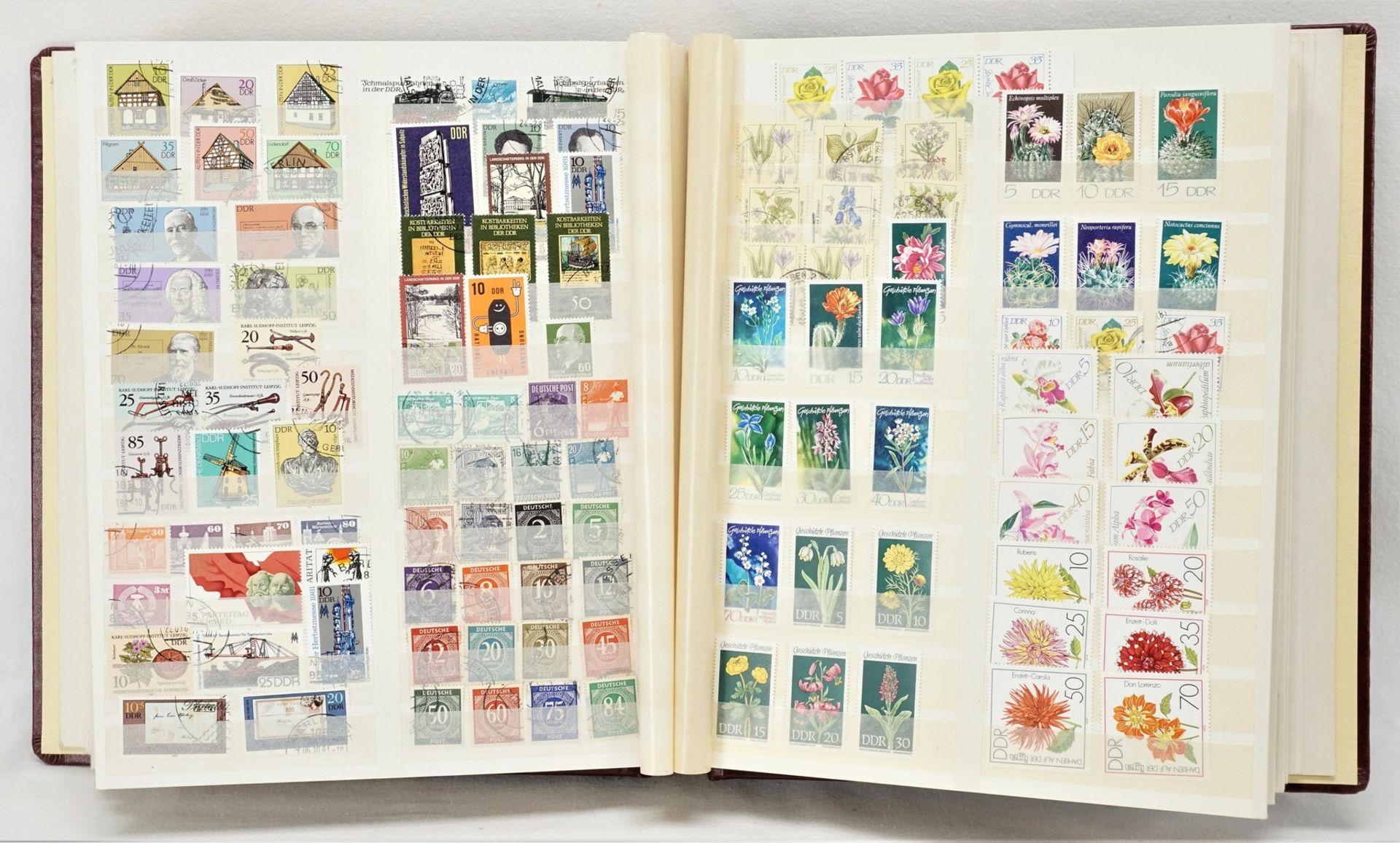 Ca. 3180 Briefmarken und Blocks aus aller Welt - Bild 2 aus 3