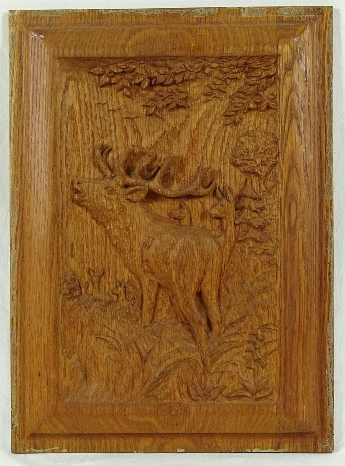 Vier jagdlich verschnitzte Holzbilder - Bild 2 aus 5
