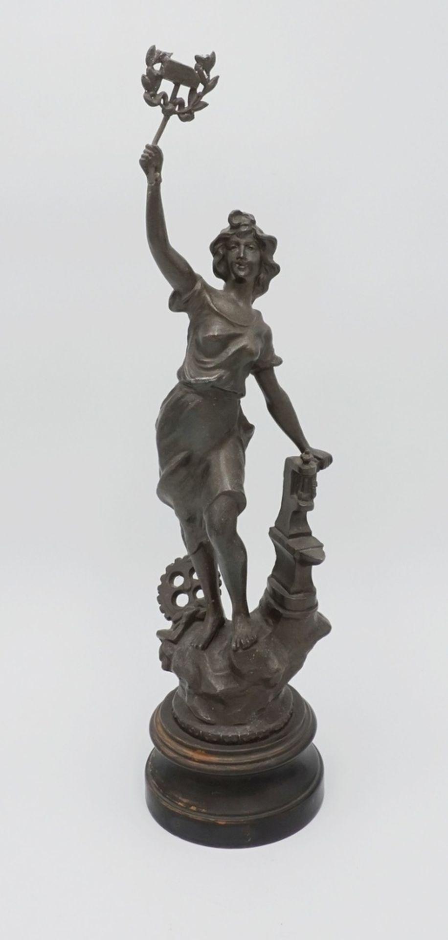 Zwei allegorische Figuren, für Handwerk und Wirtschaft & Handel - Bild 2 aus 5