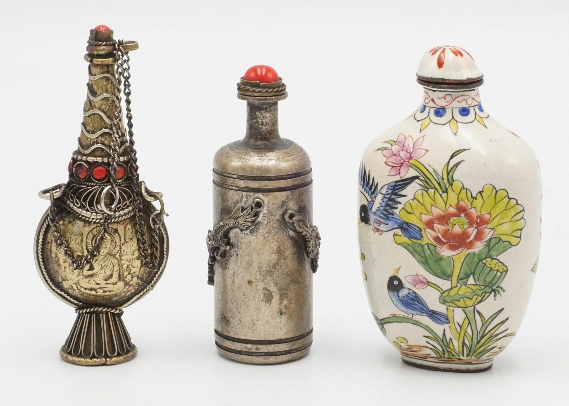 Drei Snuff Bottles, China, um 1900 - Bild 2 aus 5