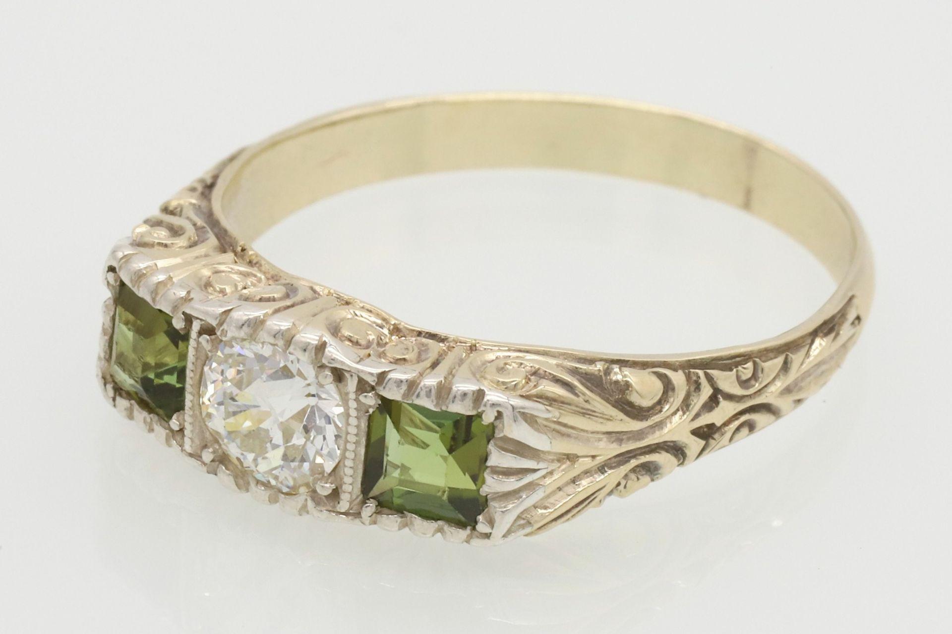 Ring mit Diamant und Peridot besetzt