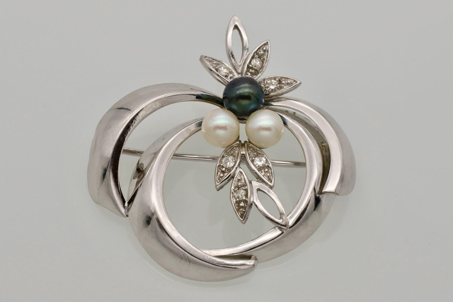 Weißgold Brosche mit Diamanten und Perlen