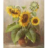 Walter Richter, Sonnenblumen in Keramikvase