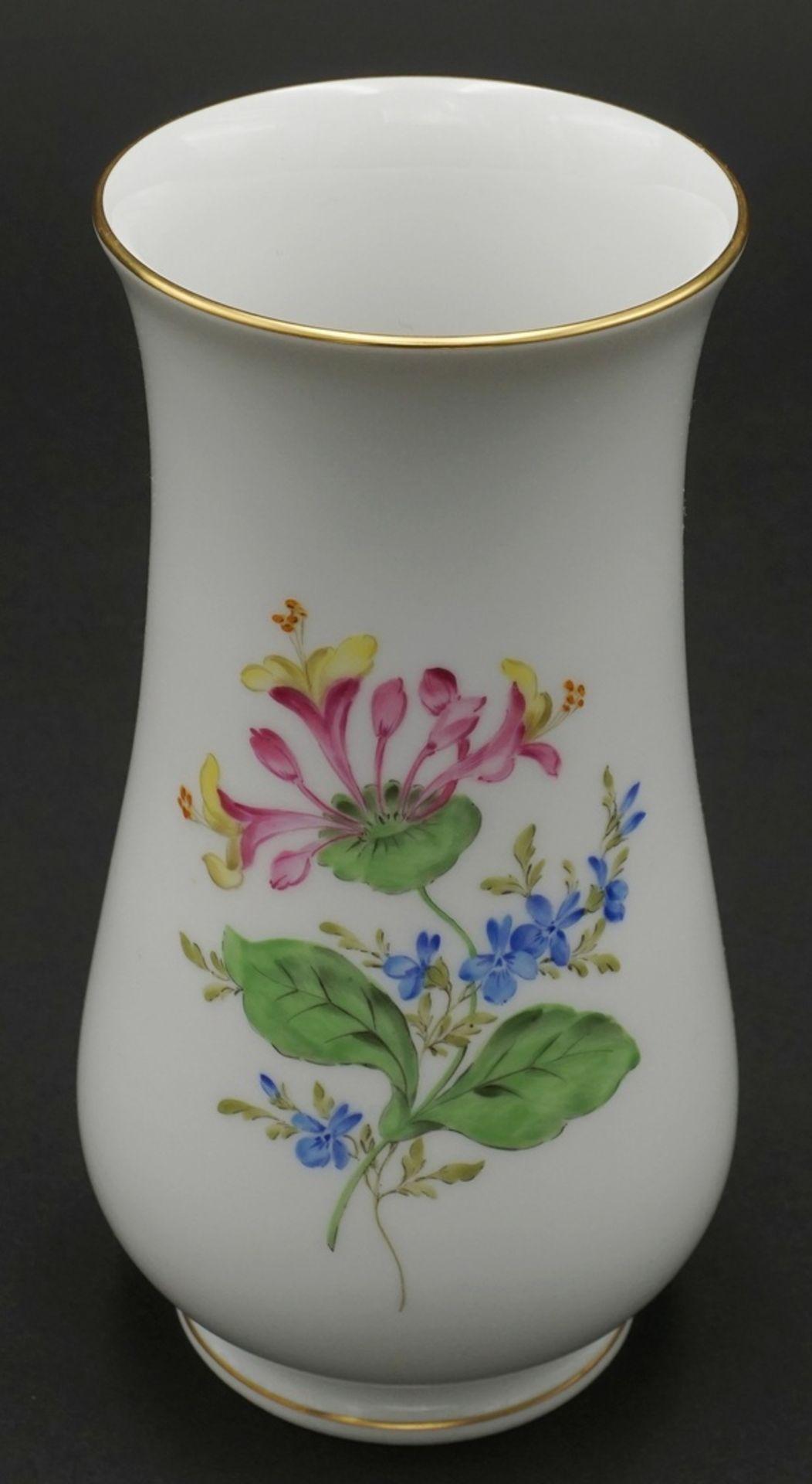 Meissen Vase mit Bunter Blume