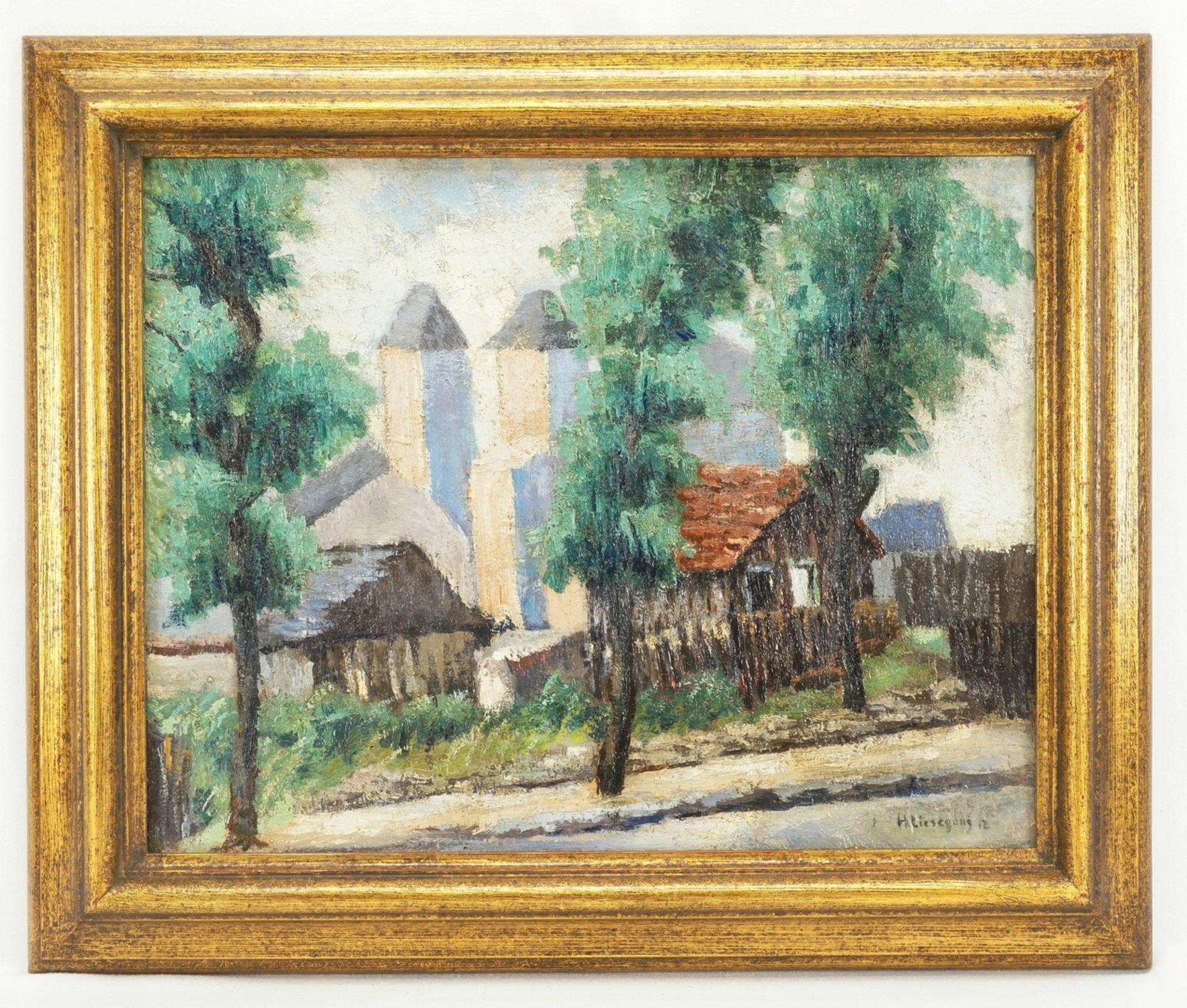 Helmuth Liesegang, Ortsansicht mit Blick auf die Kirche - Bild 2 aus 4