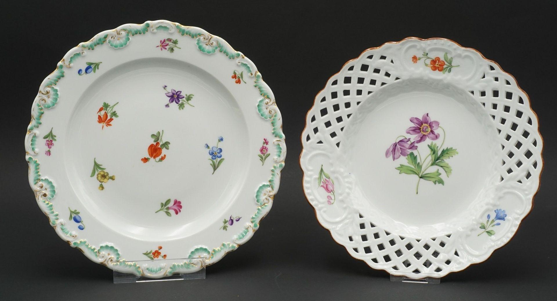Meissen Teller und Durchbruchteller mit Blumenmalerei