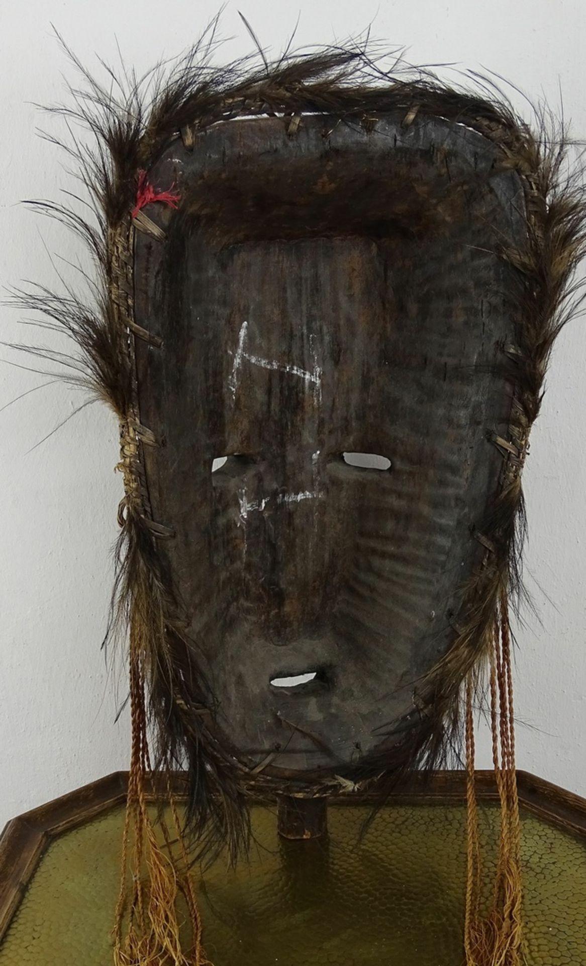 Große Maske eines Ahnengeistes, Papua-Neuguinea - Bild 2 aus 2