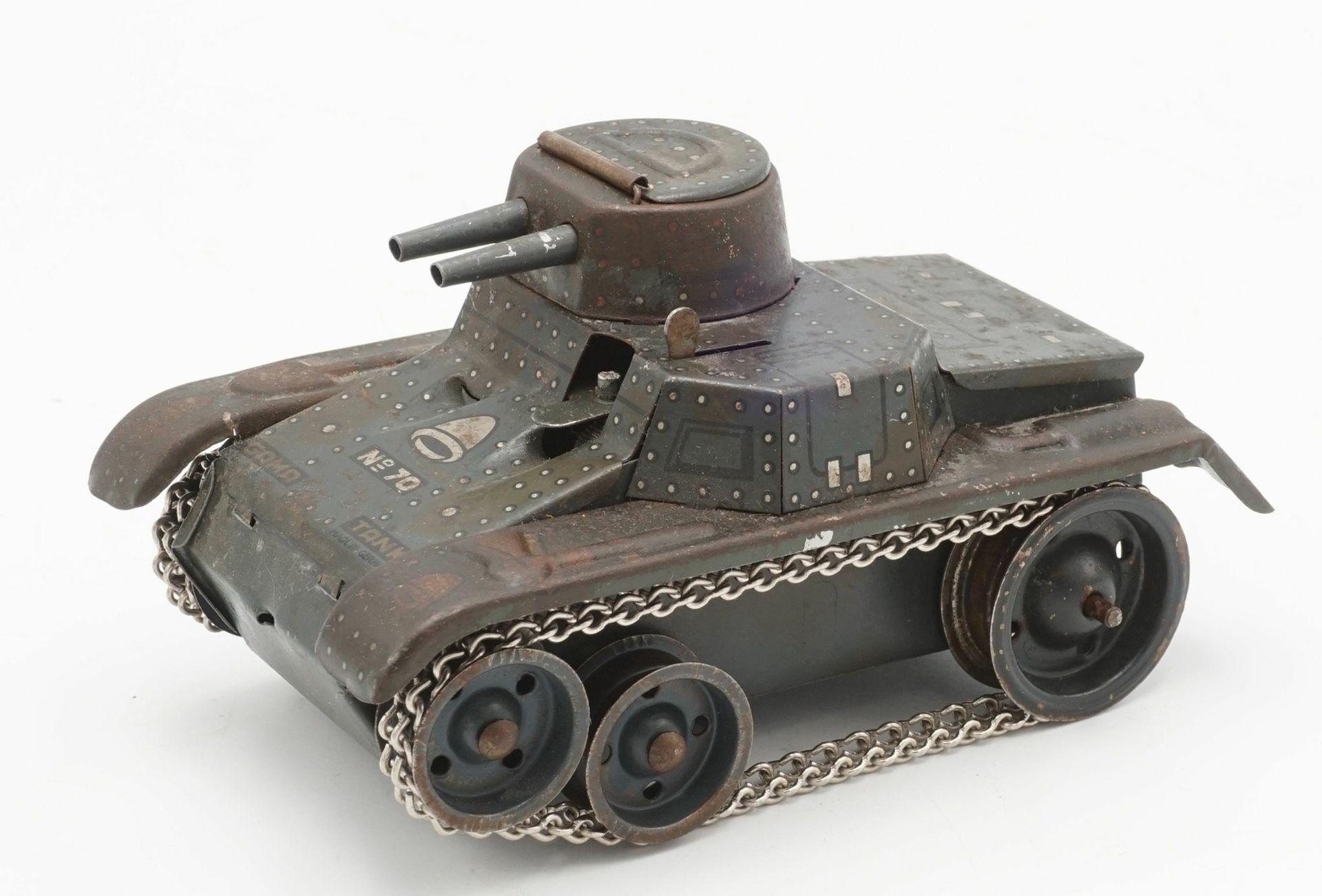 Zwei Blechautos und ein Blech Panzer - Bild 6 aus 7