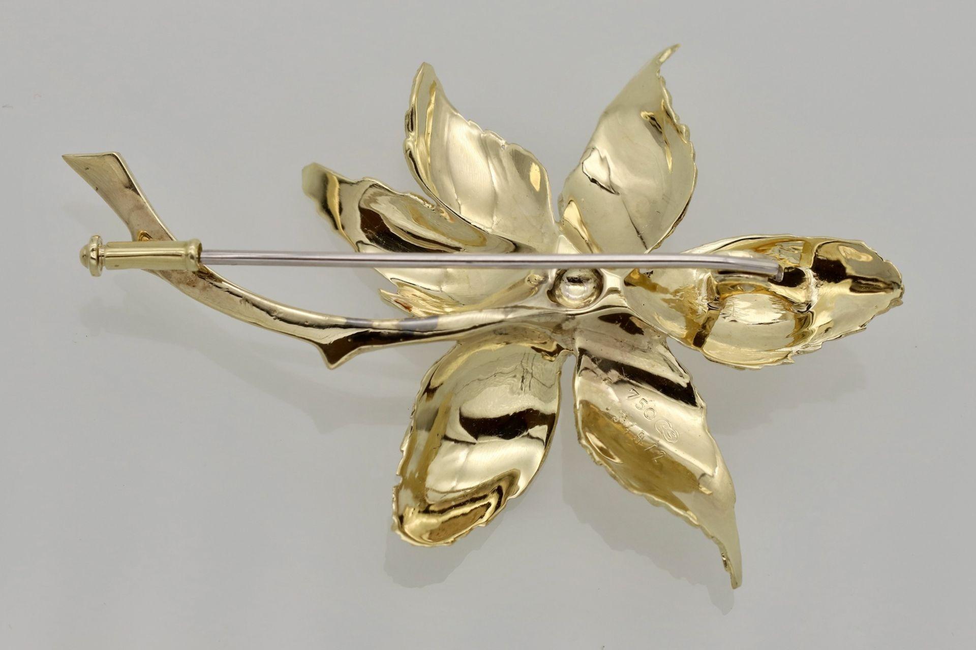 Blüten-Brosche mit Brillant besetzt - Bild 2 aus 2