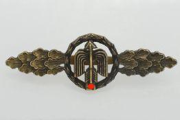 Frontflugspange für Jäger, in Bronze
