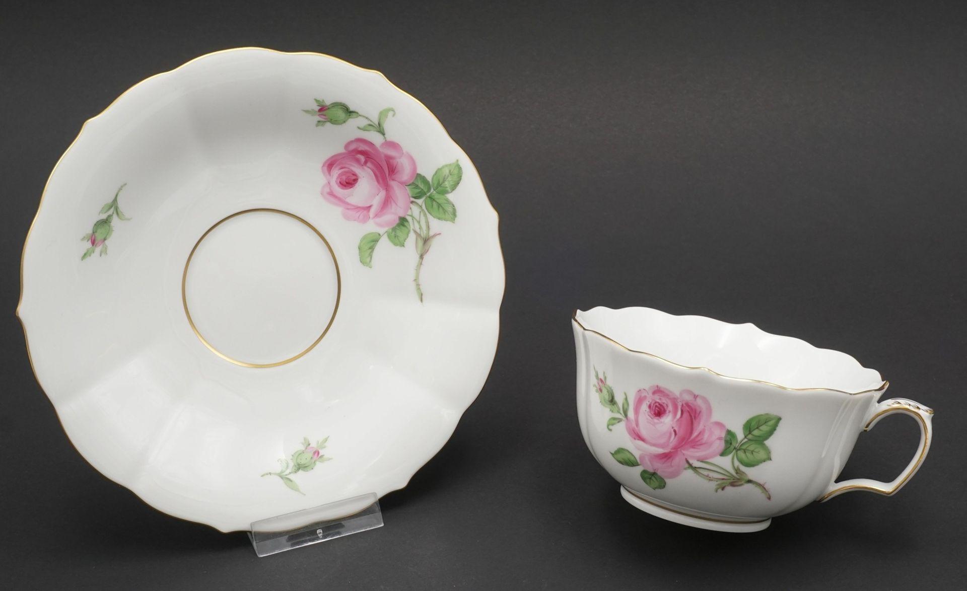Zwei Meissen Teetassen mit Roter Rose - Bild 2 aus 3