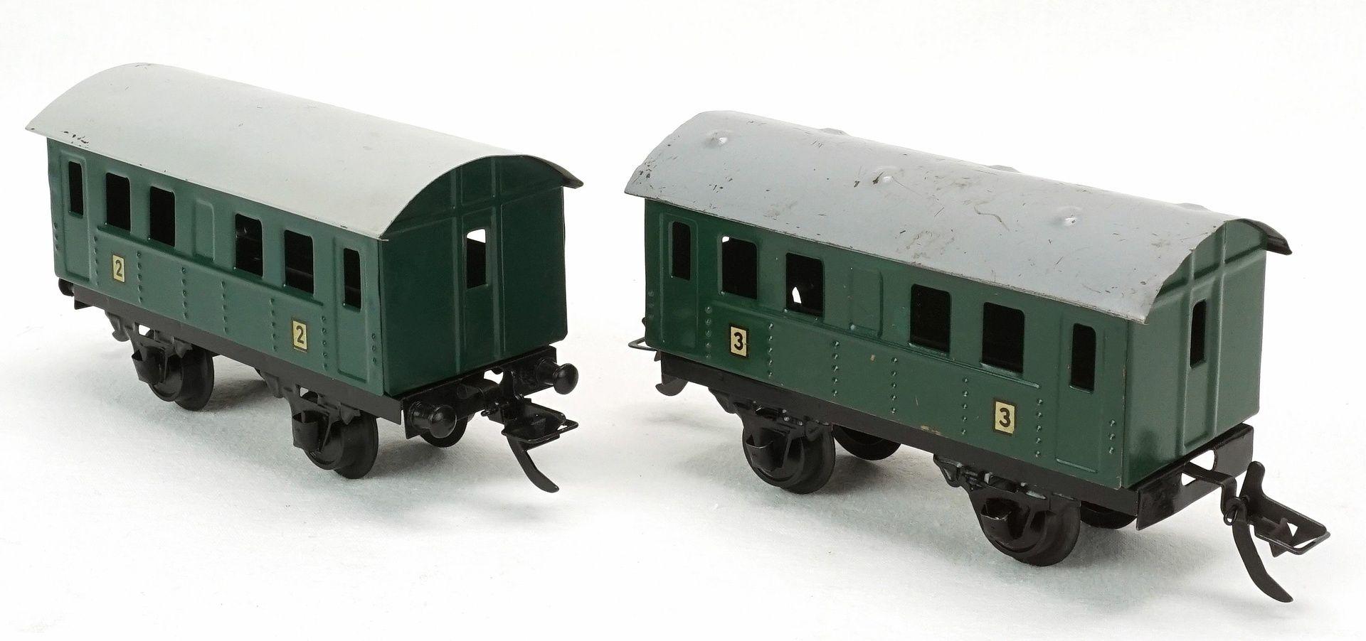 Fünf Zeuke Bahnen Personen- und Güterwagen, Spur 0, 2. Hälfte 20. Jh. - Bild 3 aus 5