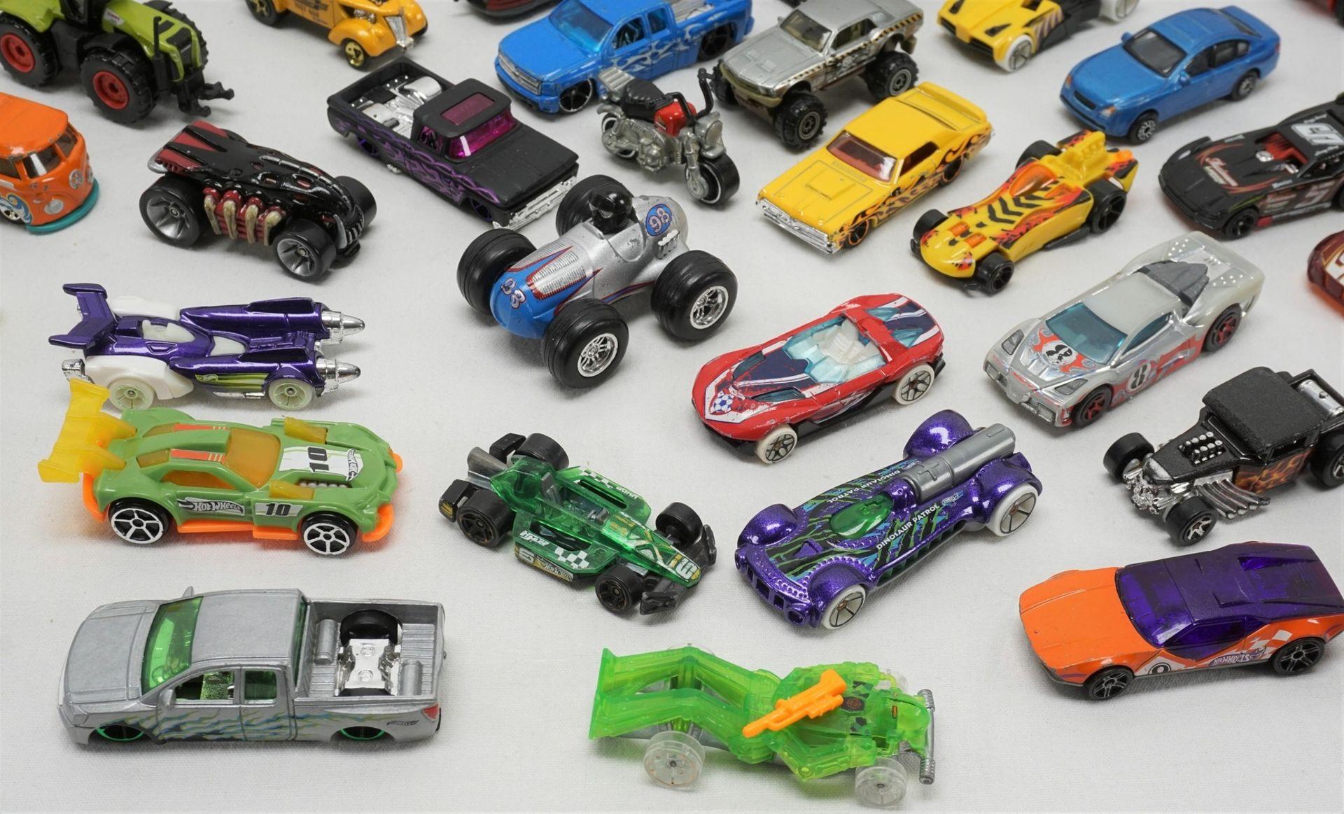 67 Modellfahrzeuge - Bild 2 aus 4
