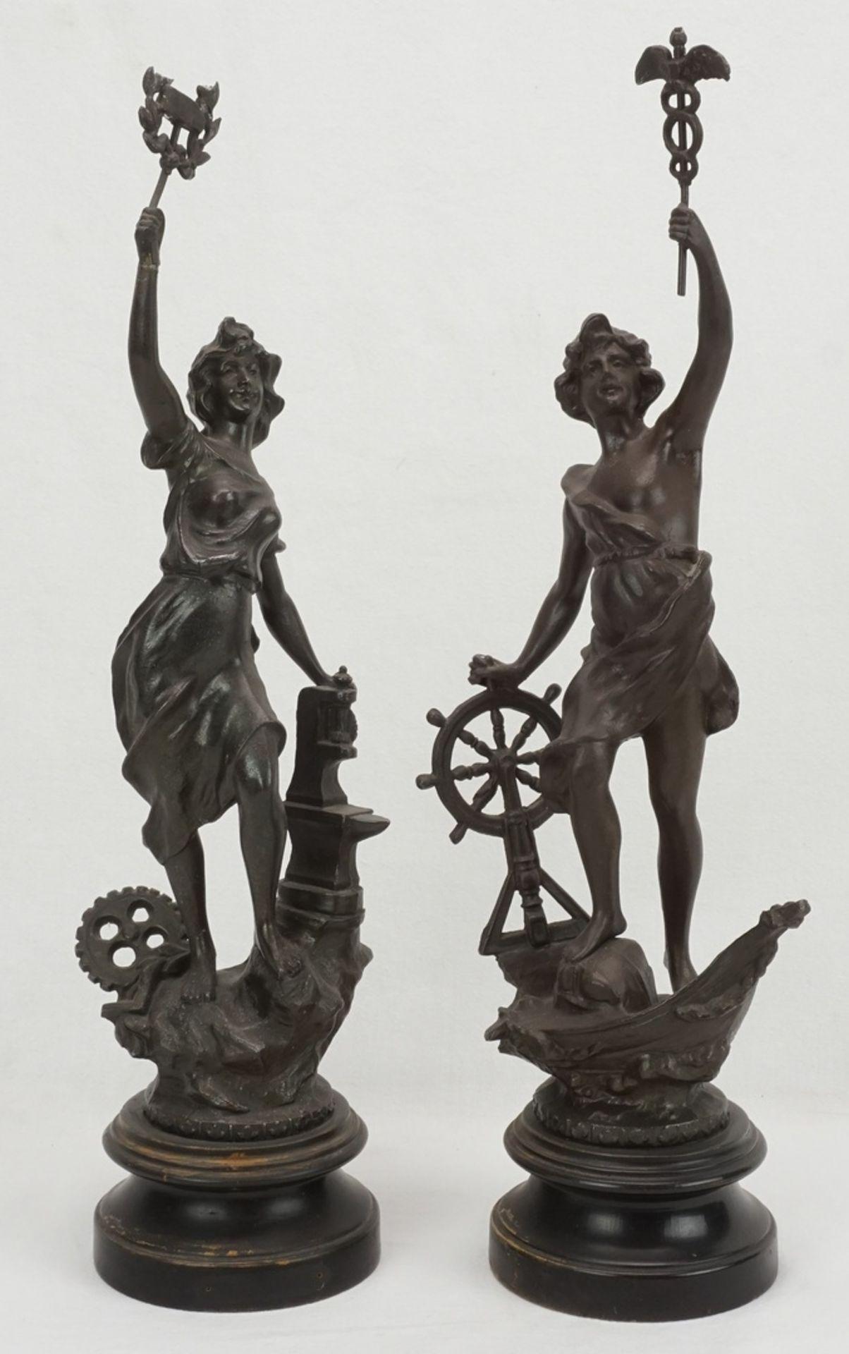 Zwei allegorische Figuren, für Handwerk und Wirtschaft & Handel
