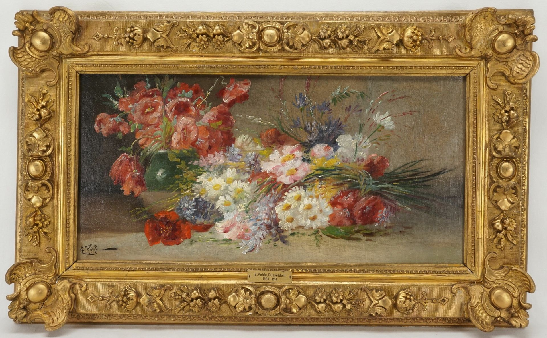 E. Pohl, Reiches Blumenstillleben mit Feldblumen und Klatschmohn