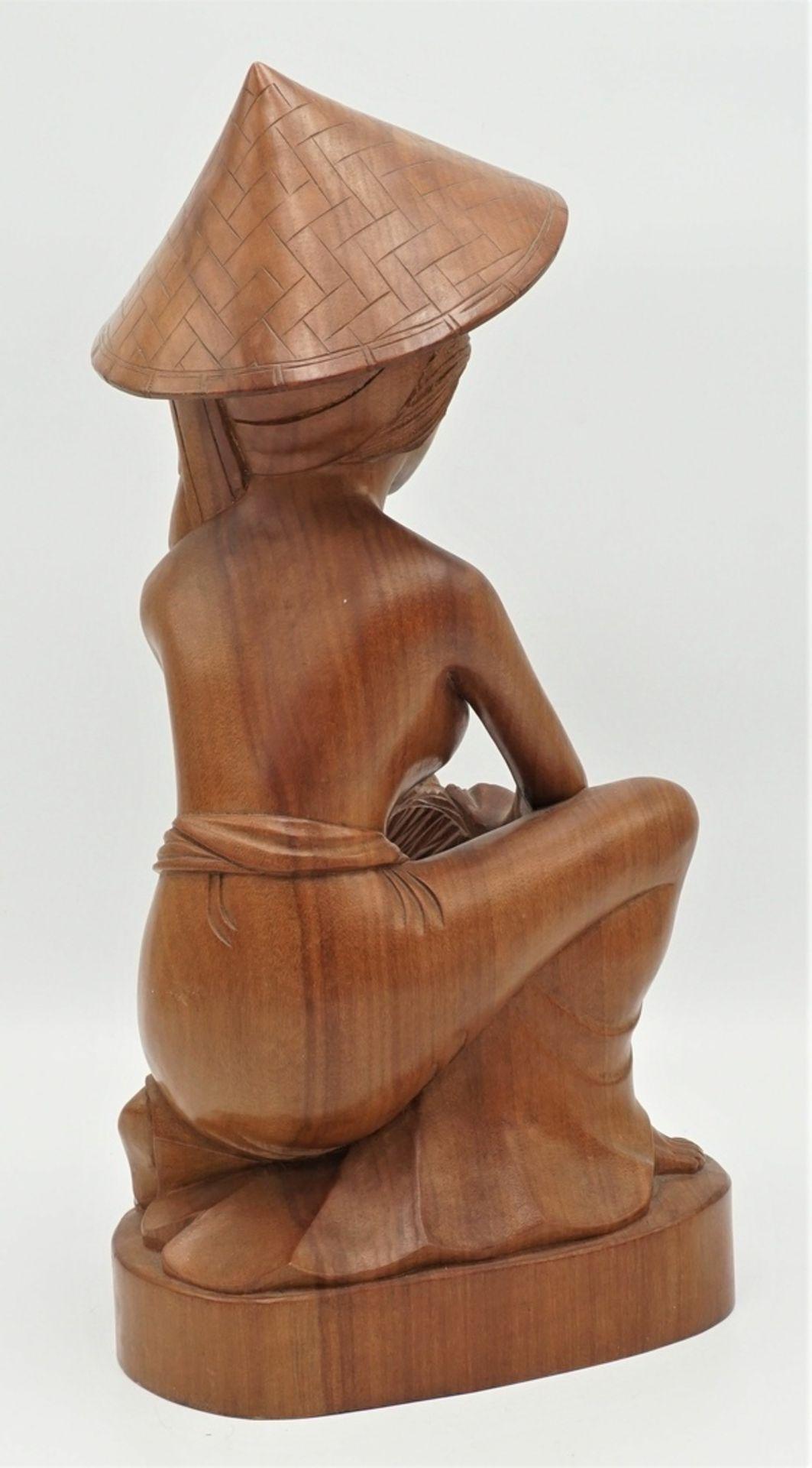 Barbusige Frau bei der Reisernte, Indonesien, 2. Hälfte 20. Jh. - Bild 3 aus 5