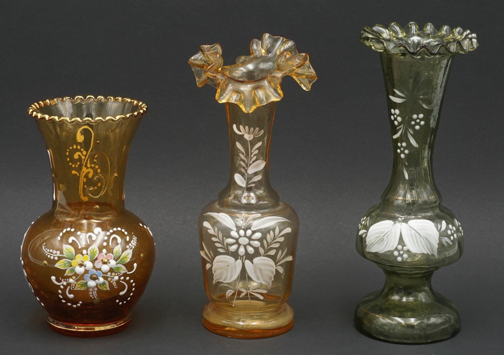 Drei Vasen, um 1900