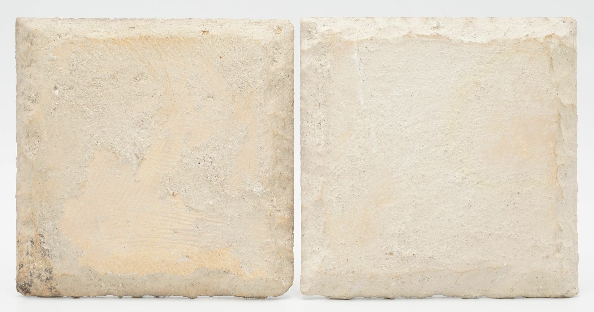 Zwei polychrome Fliesen - Bild 2 aus 2