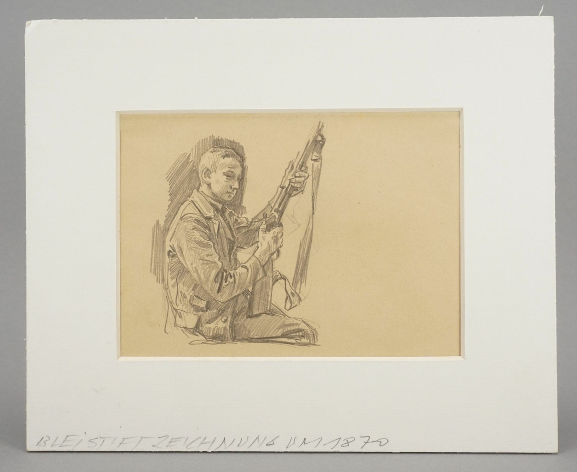 Unbekannter Zeichner, Sitzender Junge mit Gewehr - Bild 2 aus 4