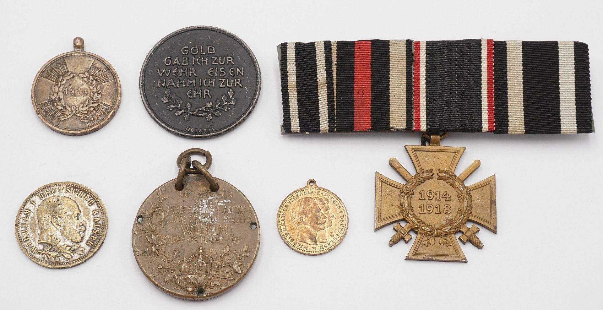 Konvolut preußischer Medaillen und eine Ordensspange