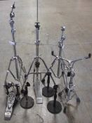 LOT DRUM KIT STANDS/MIC STANDS