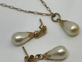 9ct gold pearl necklace and earring set