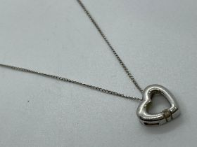 9ct white gold pendant and chain